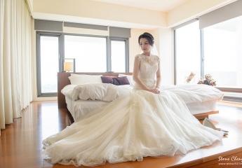 婚禮攝影 : 史東&James  造型 : Nina Yang Makeup Artist 楊夢稊整體造型  儀式 : 南方莊園  婚宴場地 : 南方莊園
