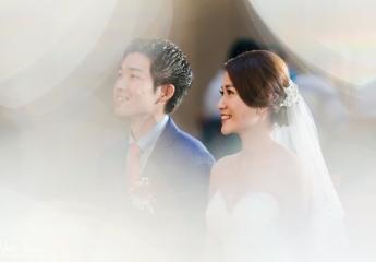 很榮幸可以拍到這場台日聯姻的婚禮, Gohei跟Jenny從學生時代就認識並交往, 畢業後Gohei為了Jenny來台灣工作並努力的學中文, 我認真的覺得這種愛情情操很偉大。 這場婚禮沒有太多華麗的包裝, 唯一有最多的就是人與人之間情感的溫暖連結。 在宴客時Gohei和Jenny的好友和兄弟姐妹們都上台對他們致詞, 每一句都是滿滿的祝福和友情親情堅定的象徵, 這是我覺得最棒的婚禮活動了。 擁有這麼多愛你們的人, 而他們又是如此真摯的祝福守護著你們, Gohei和Jenny,你們真的很幸福。 我也祝你們永遠幸福快樂 ^_^  婚攝:Neo Wu 協助:Howard Lin & Enzo Feng 儀式場地:寒舍艾美 宴客場地:寒舍艾美