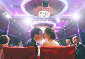 婚攝:Neo Wu+Jason Lin+Sun Yang 新秘:Doris Chen 主持:Sammy Chang 儀式場地:維多麗亞酒店 宴客場地:維多麗亞酒店    記得那天新人一直在期待陽光會出來, 很幸運的後來天氣有變得稍微好一點, 但其實, 你們的笑容和歡樂一直都是照片中的陽光啊。