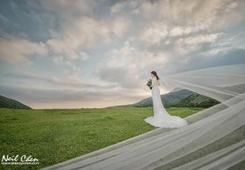 攝影:小眼睛Neil Chen 協助:Neo Wu 造型:Catherine 禮服:Alisha&Lace愛儷莎和蕾絲法式手工婚紗